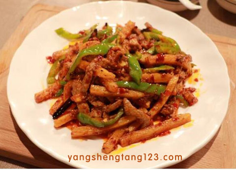 回家吃饭2016年5月10日视频,尖椒牛柳土豆条,鱼香碎米鸡