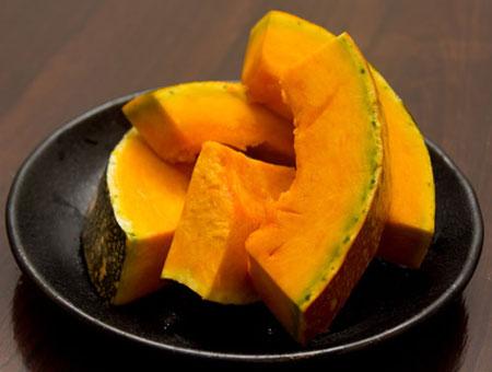 芹菜怎么吃可以降血压,糖尿病的人能吃南瓜吗,红酒泡洋葱到底好不好