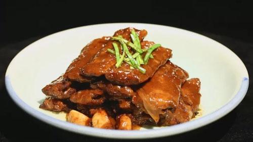 暖暖的味道20171001视频,甄建军,老北京红烧带鱼,炸烹蹄筋