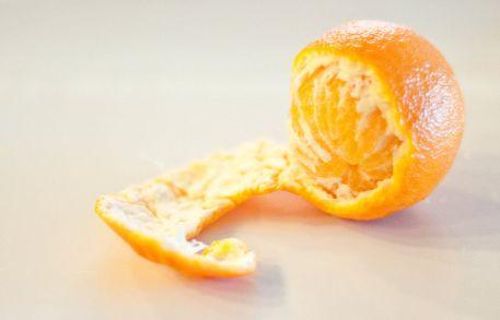 新鲜橘子皮能泡水喝吗,鲜橘子皮可以煮水喝吗
