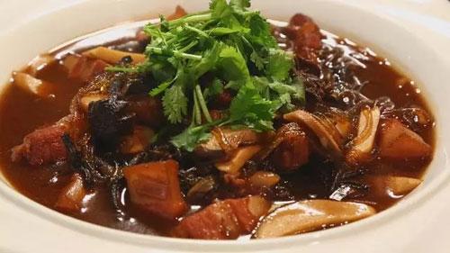 刘强:正宗东北菜猪肉炖粉条的做法