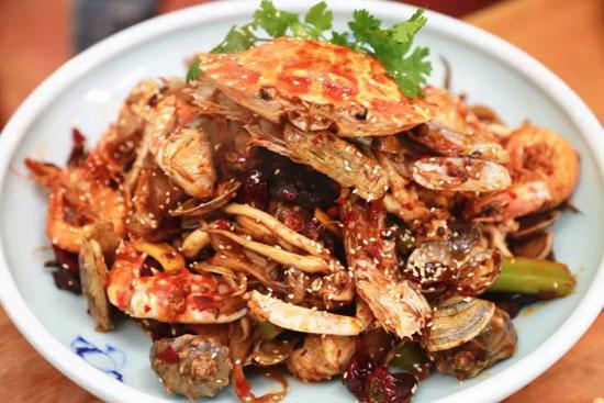 回家吃饭20171107,王素曦,酱香叉烧饭,刘强,麻辣海鲜全家福