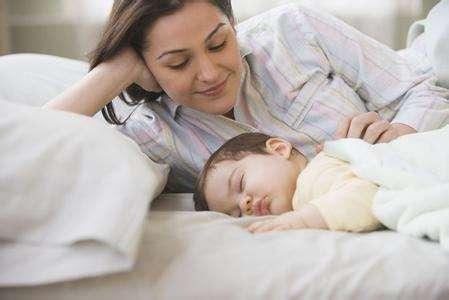 黄�B宁:宝宝半夜惊醒大哭,是白天受到惊吓还是缺少微量元素?