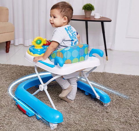 宝宝用学步车好吗,宝宝几个月可坐学步车,婴儿做学步车好不好