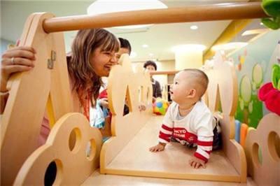 一岁前有必要给宝宝上早教班吗?上与不上的差别到底有多大?