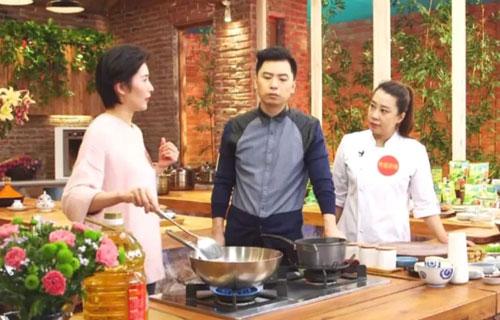 回家吃饭20171208视频,海鲜菜窝窝,刘艳,蘑菇汤煮莜面鱼鱼