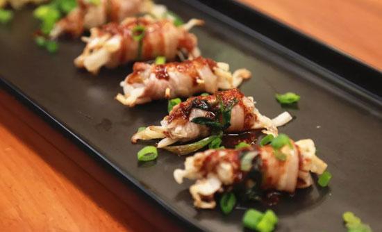 回家吃饭20180313视频,酸菜五花肉卷,黑蒜腊汁牛肉豆腐煲