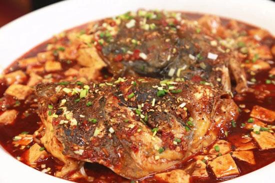 回家吃饭20180316视频,麻婆豆腐烩鱼头,张晨冰,菌香鱼头泡面