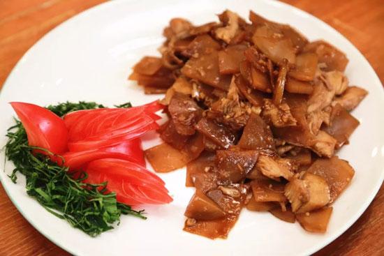 回家吃饭20180405,茶树菇香麻牛肉,李涛,黄油牛肚炒咸菜