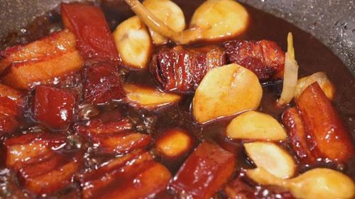 暖暖的味道20181208,夏福成,白洋淀炖杂鱼,茨菇老醋肉制作方法