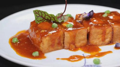 暖暖的味道20181210,苗凡,茄子豆腐箱子,豉汁锅巴牛肉