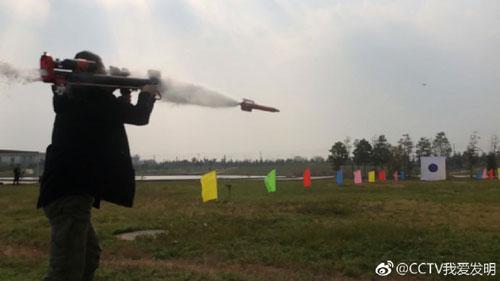 我爱发明20181214视频,毕雅辉,投掷灭火弹,水箭灭火