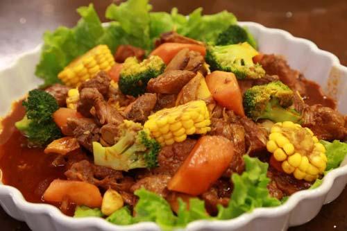 回家吃饭20181228,咖喱鸡饭,白小军,十三香红煨牛肉