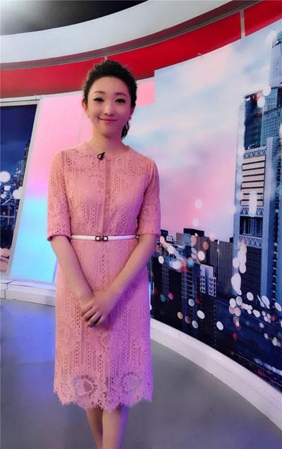 北京卫视主持人曹端端个人资料简介,照片,微博,暖暖的味道